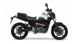 2011-Yamaha-MT-03-EU-Competition-White-Studio-002